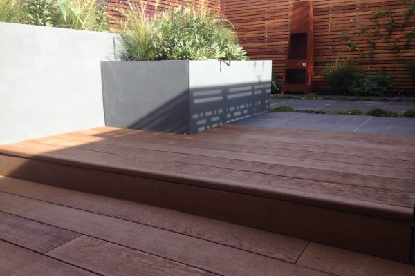 Shirehampton garden with composite decking